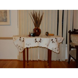 Flower Edged Cut Work Tablecloth