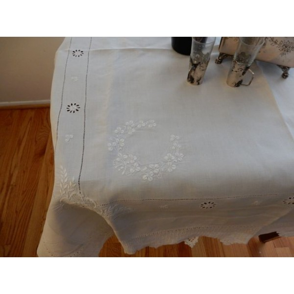 3 Leaf Clover Medium Tablecloth