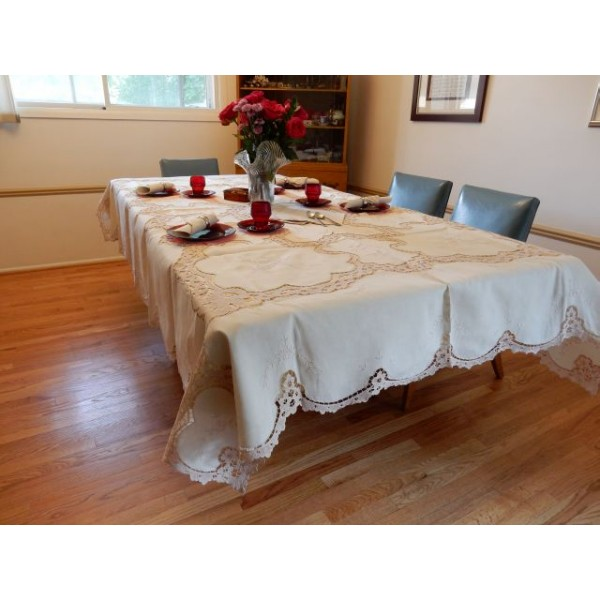 Crochet Interlocking pieces cream tablecloth