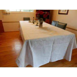 Embroidered White Flower Tablecloth