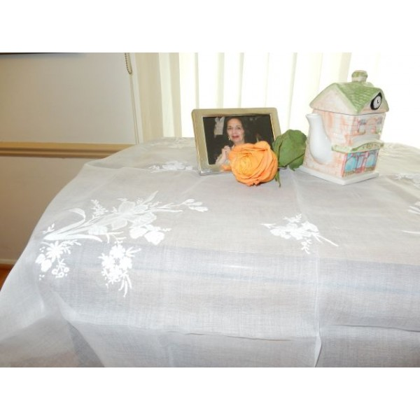 Bouquets on Organdy Medium Tablecloth